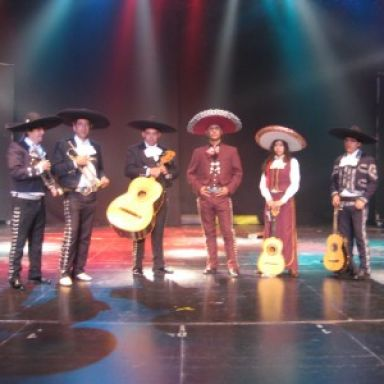mariachi aztek