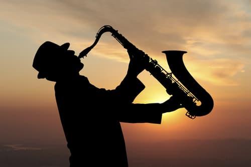 consejos para contratar saxofonistas