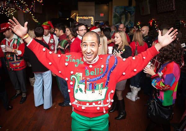 fiesta de los jerséis feos en Navidad