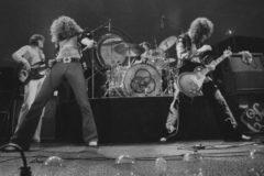 Led Zeppelin en concierto en 1975