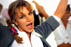 Britney Spears en el videoclip Baby One More Time