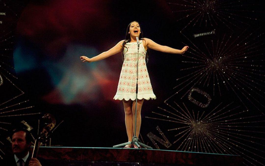 Massiel interpreta el La, la, la en Eurovisión, 1968