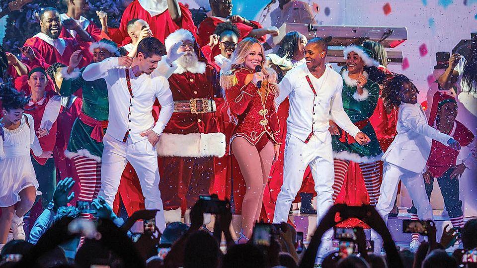 mariah christmas on stage christmas tour