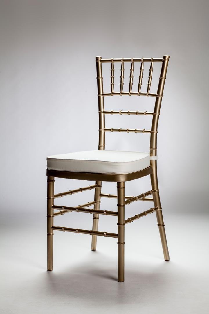 Alsime almendralejo alquiler de sillas y mesas for Sillas para novios en la iglesia