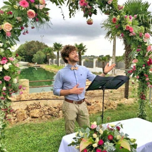 Carlos Ayala Maestro de ceremonias