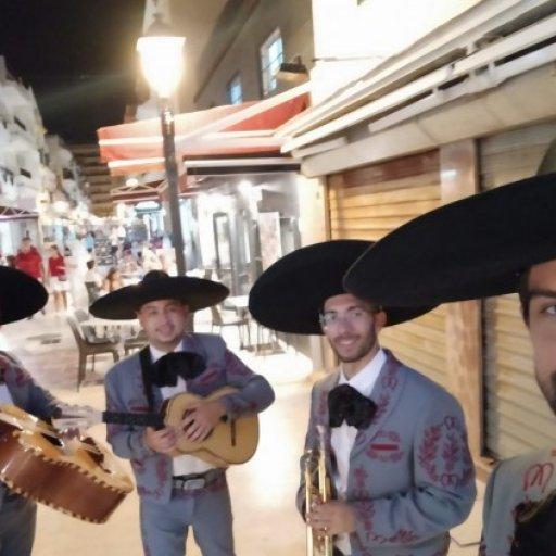 Mariachis al son de México