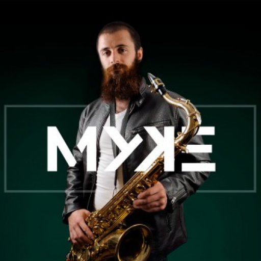 MYKE On Live - Safoxonista y teclista profesional