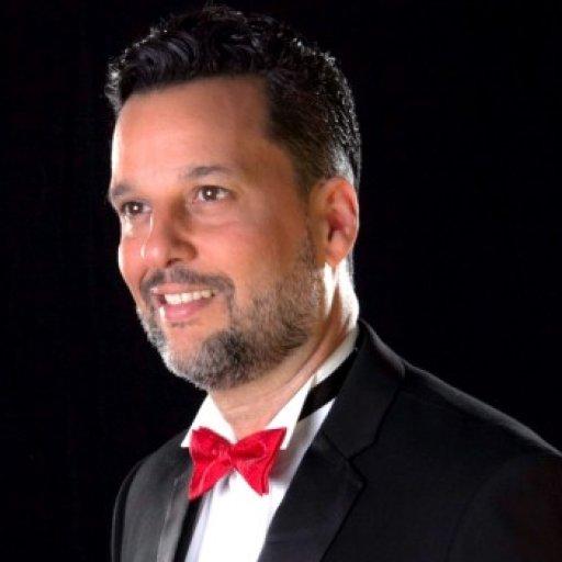 Tenor Juan Luis Domínguez