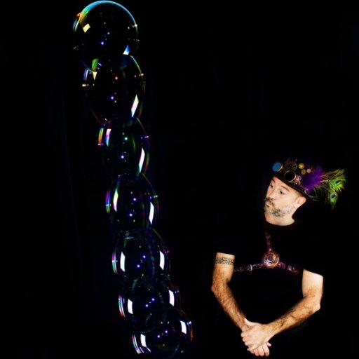 ANDRES KÓ, el mago de las burbujas