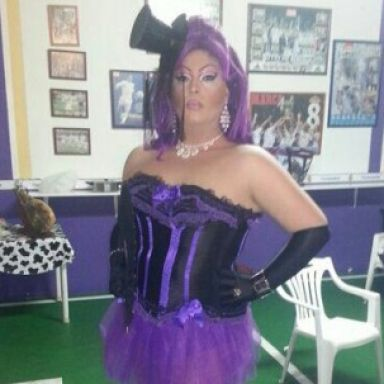 drag queen animador acasha