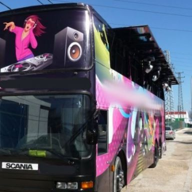 disco bus dj