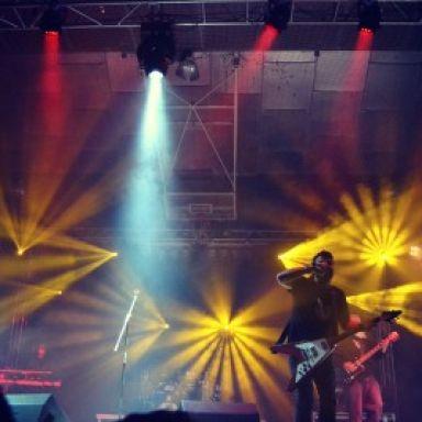 Seldas, sonido e iluminación.