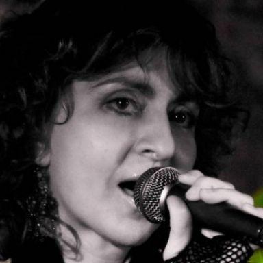 Elisa Bach