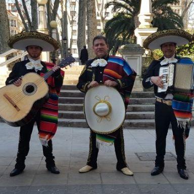 mariachi internacional dominguez