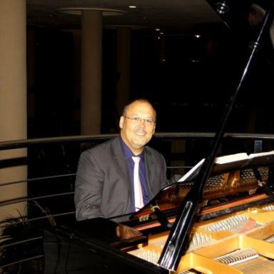 ricardo gonzalez pianista