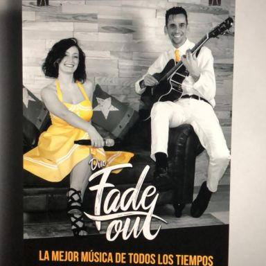 fade out duo de cantantes